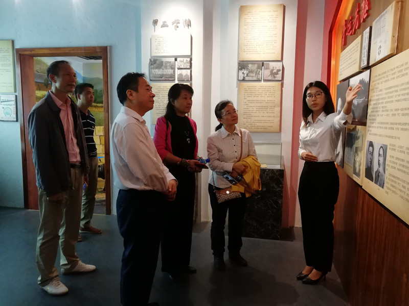 广东省审计厅组织特约审计员代表开展审计传统教育活动3_副本.jpg